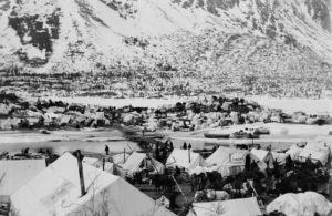 Klondike_camp_Yukon_head